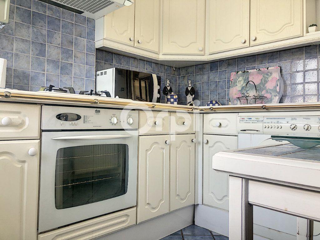Appartement à louer 4 83.1m2 à Saint-Jean-de-la-Ruelle vignette-10
