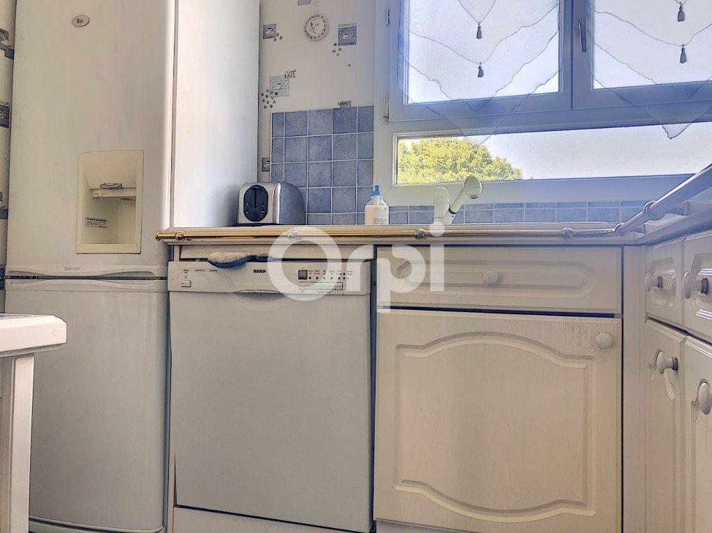 Appartement à louer 4 83.1m2 à Saint-Jean-de-la-Ruelle vignette-11