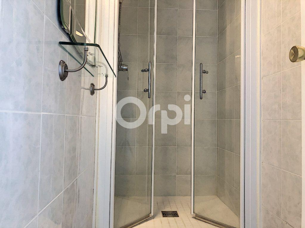 Appartement à louer 4 83.1m2 à Saint-Jean-de-la-Ruelle vignette-16
