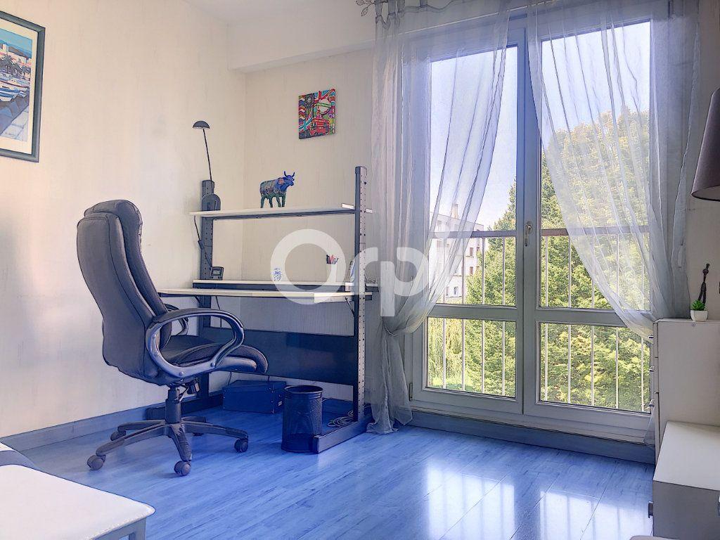 Appartement à louer 4 83.1m2 à Saint-Jean-de-la-Ruelle vignette-17
