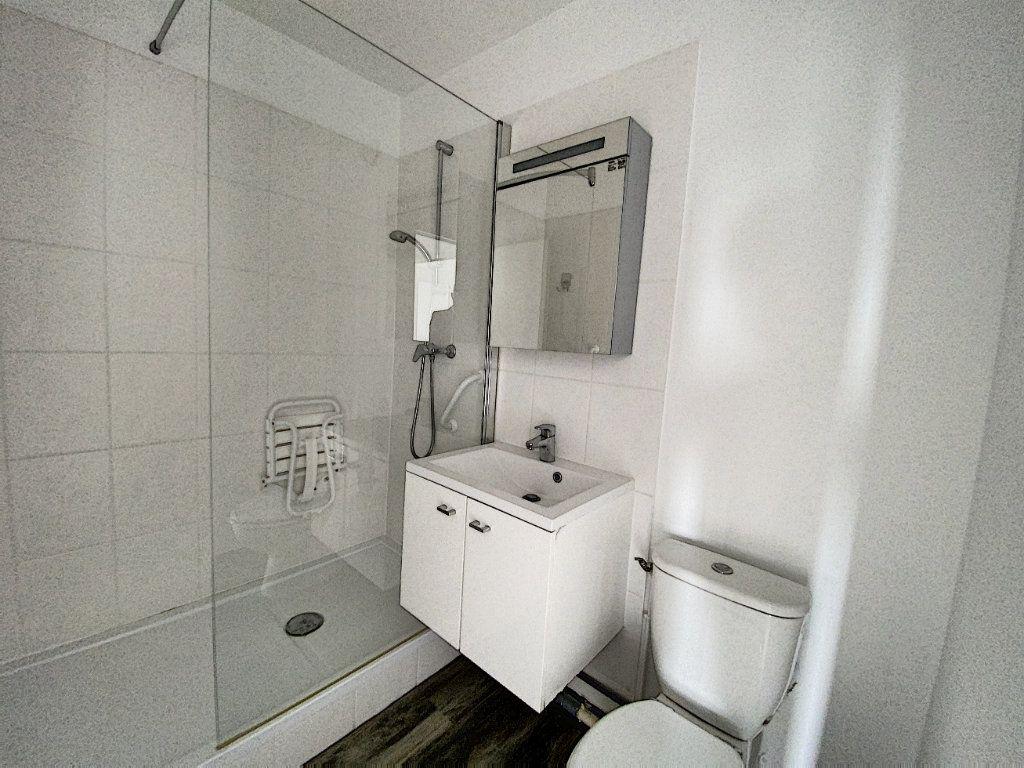 Appartement à louer 2 43.98m2 à Olivet vignette-5