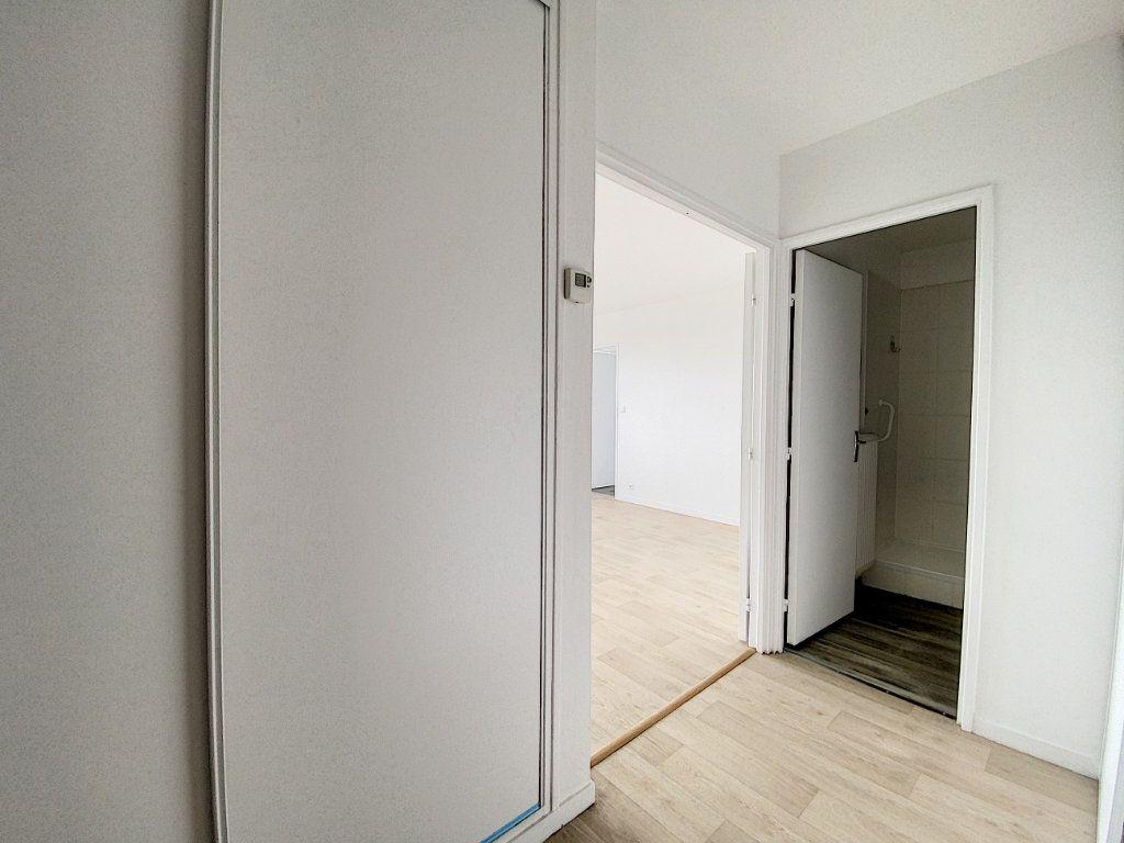 Appartement à louer 2 43.98m2 à Olivet vignette-7