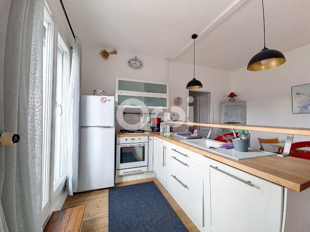 Appartement à louer 2 56.1m2 à Orléans vignette-3