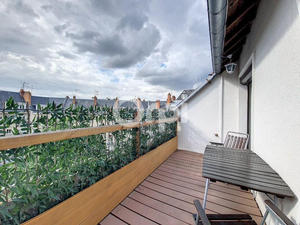 Appartement à louer 2 56.1m2 à Orléans vignette-4