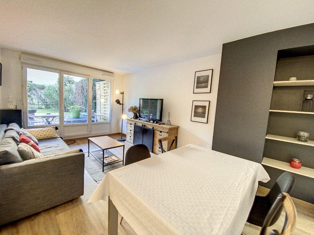 Appartement à louer 3 60.28m2 à Cachan vignette-5