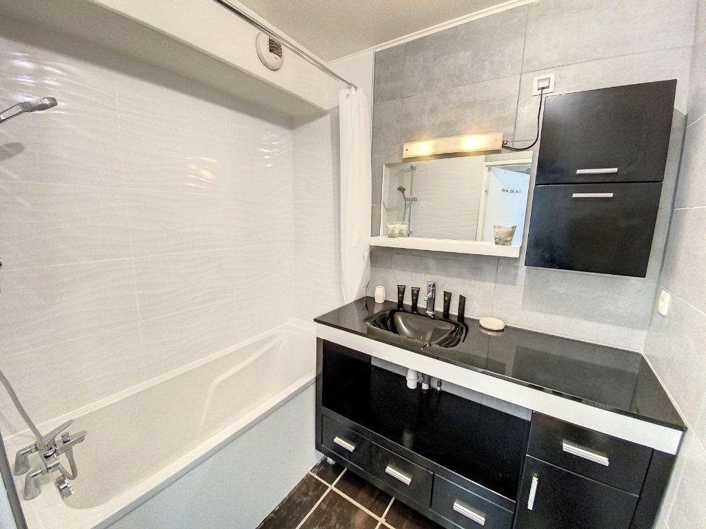 Appartement à louer 3 60.28m2 à Cachan vignette-6