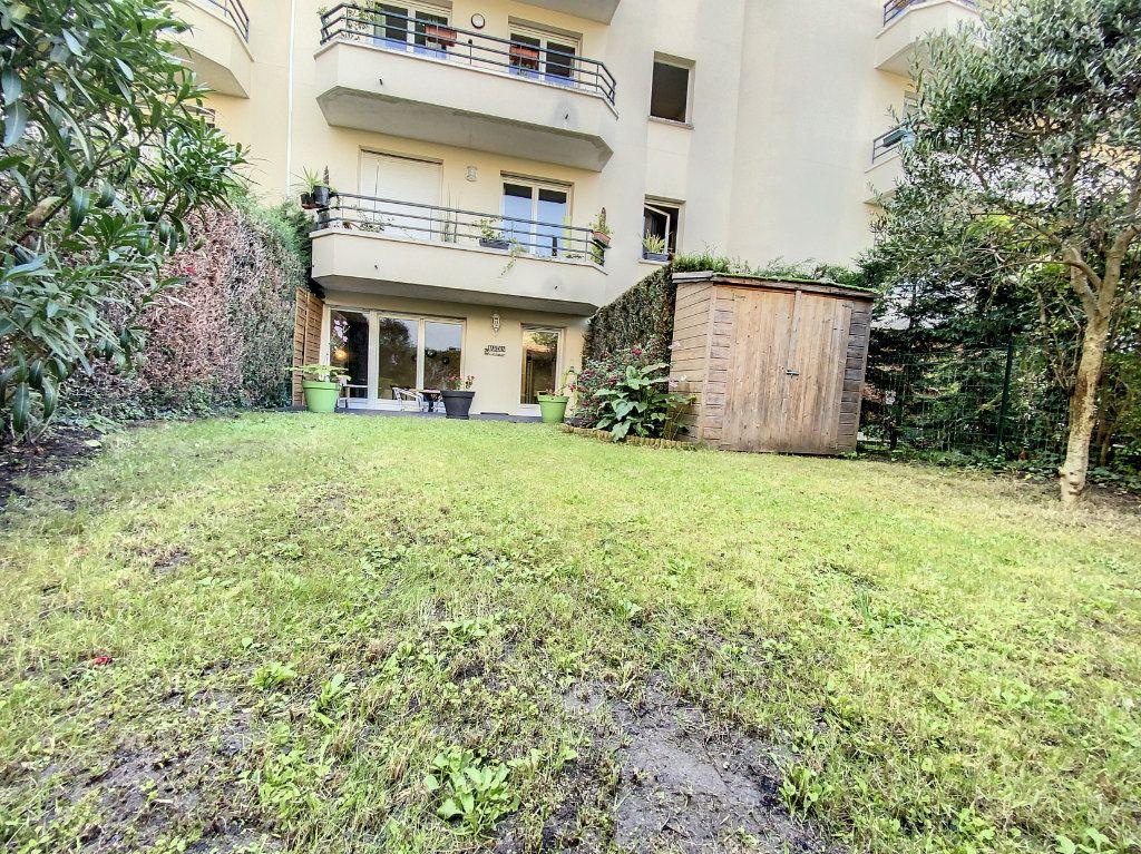 Appartement à louer 3 60.28m2 à Cachan vignette-7