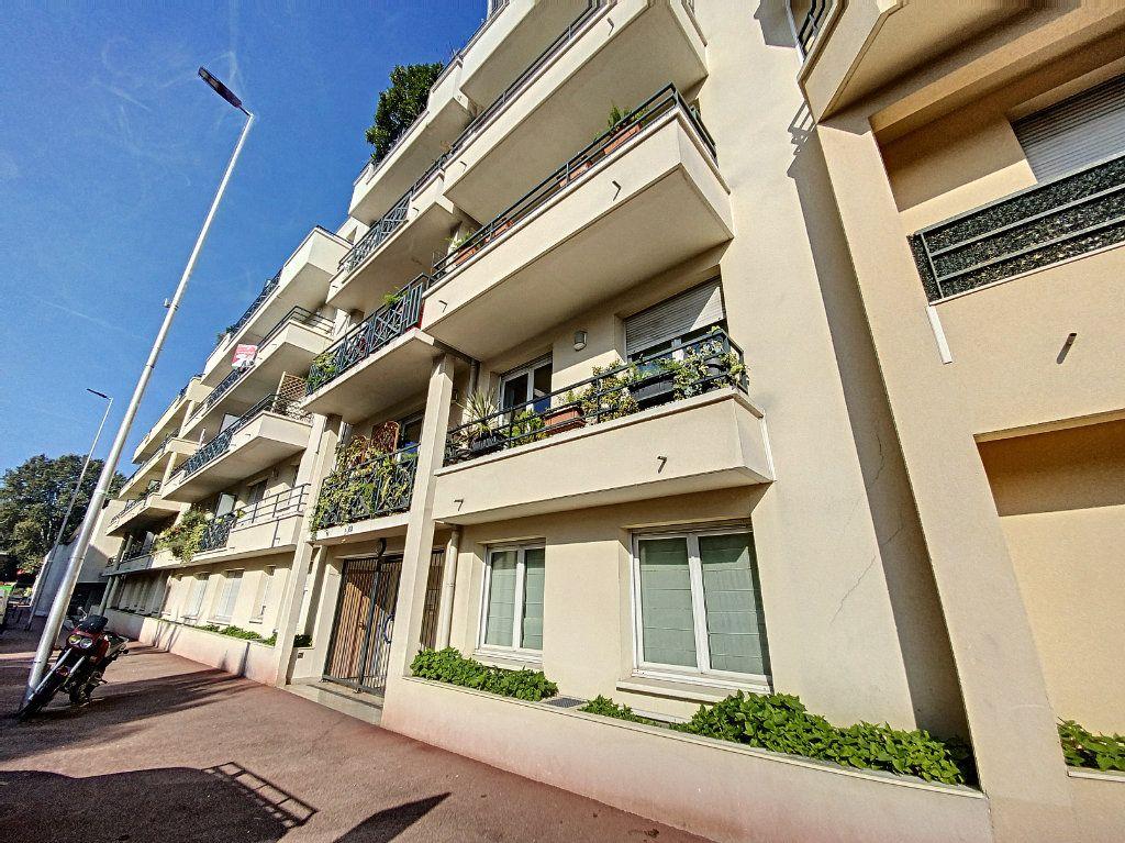 Appartement à louer 3 60.28m2 à Cachan vignette-8