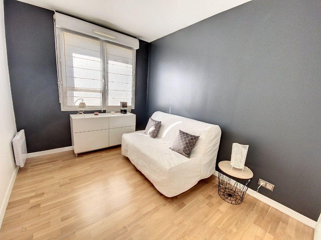 Appartement à louer 3 60.28m2 à Cachan vignette-9