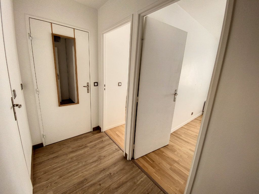 Appartement à louer 3 60.28m2 à Cachan vignette-12