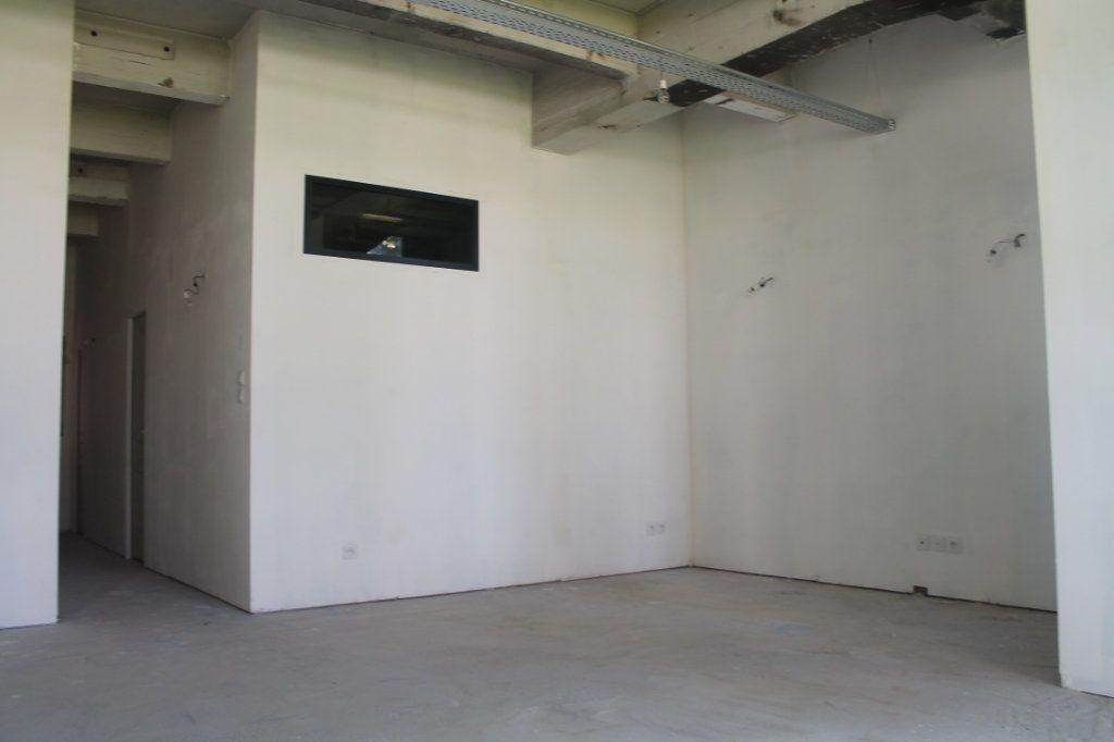 Appartement à vendre 3 72.67m2 à Lille vignette-3