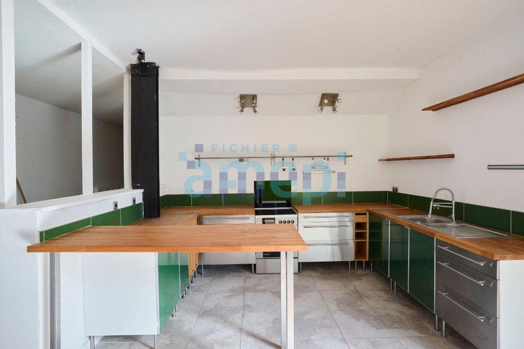 Appartement à vendre 3 159.04m2 à Roubaix vignette-2