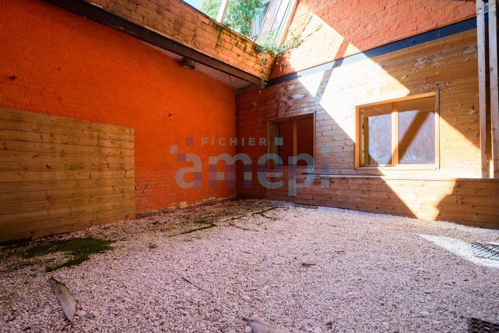 Appartement à vendre 3 159.04m2 à Roubaix vignette-4