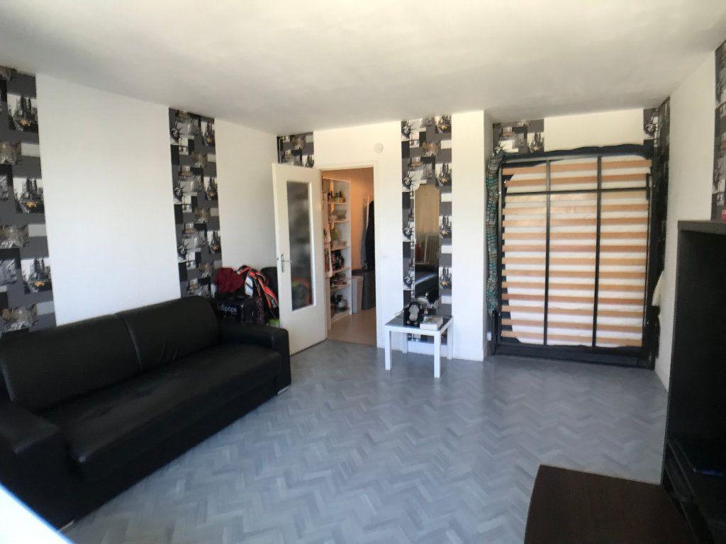 Appartement à louer 1 30.6m2 à Mons-en-Baroeul vignette-1