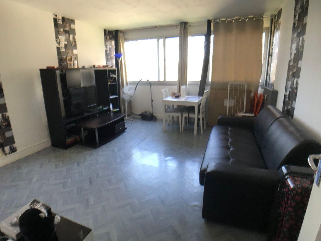 Appartement à louer 1 30.6m2 à Mons-en-Baroeul vignette-2