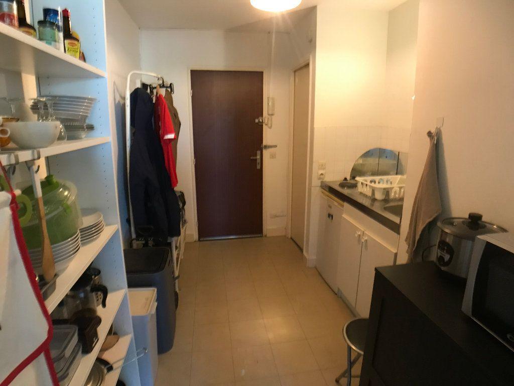 Appartement à louer 1 30.6m2 à Mons-en-Baroeul vignette-3