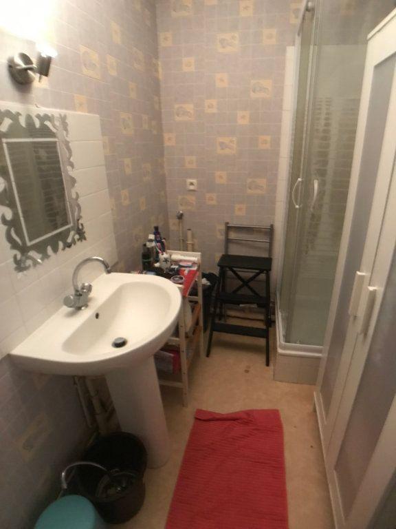 Appartement à louer 1 30.6m2 à Mons-en-Baroeul vignette-4