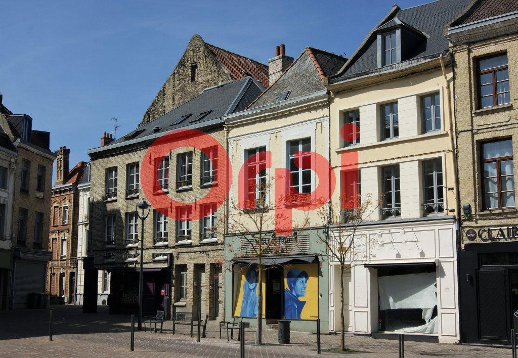 Immeuble à vendre 0 230m2 à Saint-Omer vignette-1