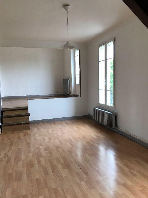 Appartement à louer 2 60.14m2 à Nanterre vignette-1