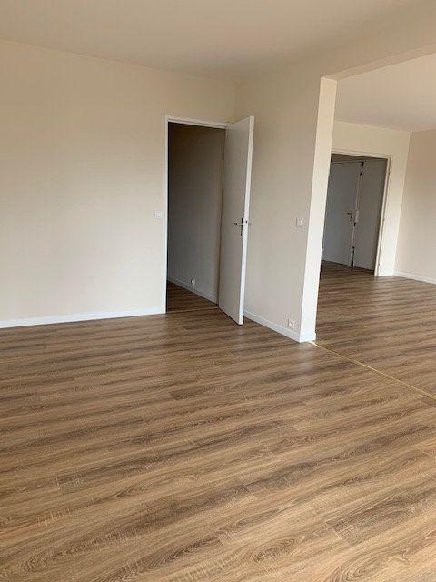 Appartement à louer 4 94m2 à Puteaux vignette-5