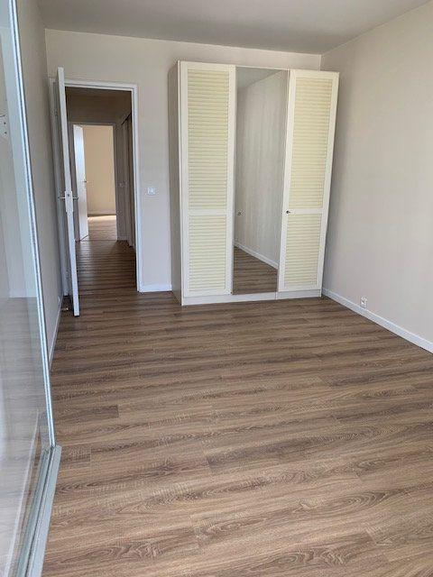 Appartement à louer 4 94m2 à Puteaux vignette-7