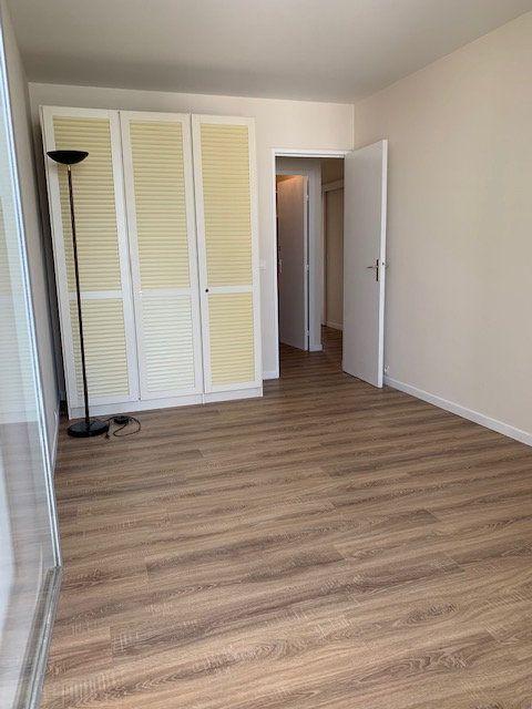 Appartement à louer 4 94m2 à Puteaux vignette-8