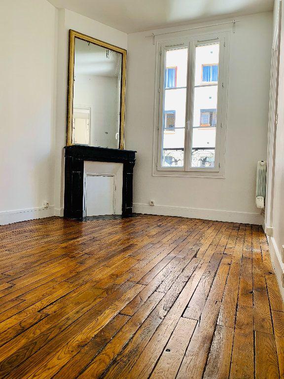 Appartement à louer 2 28.38m2 à Boulogne-Billancourt vignette-2