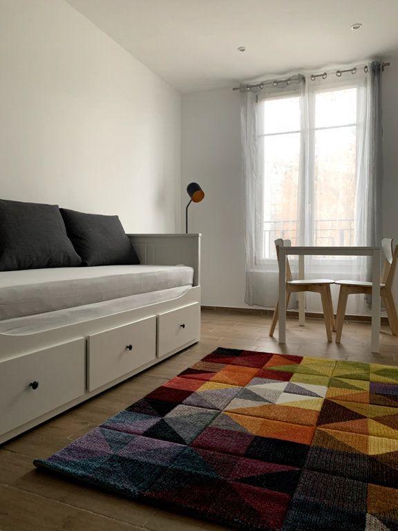 Appartement à louer 1 22.56m2 à Nanterre vignette-1