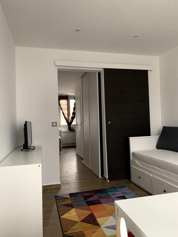 Appartement à louer 1 22.56m2 à Nanterre vignette-2