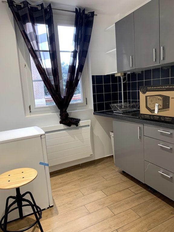 Appartement à louer 1 22.56m2 à Nanterre vignette-3