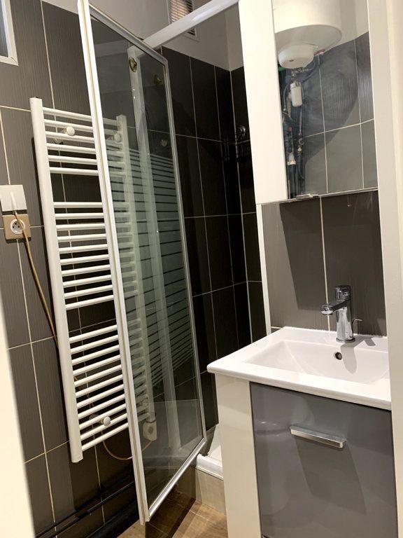 Appartement à louer 1 22.56m2 à Nanterre vignette-4