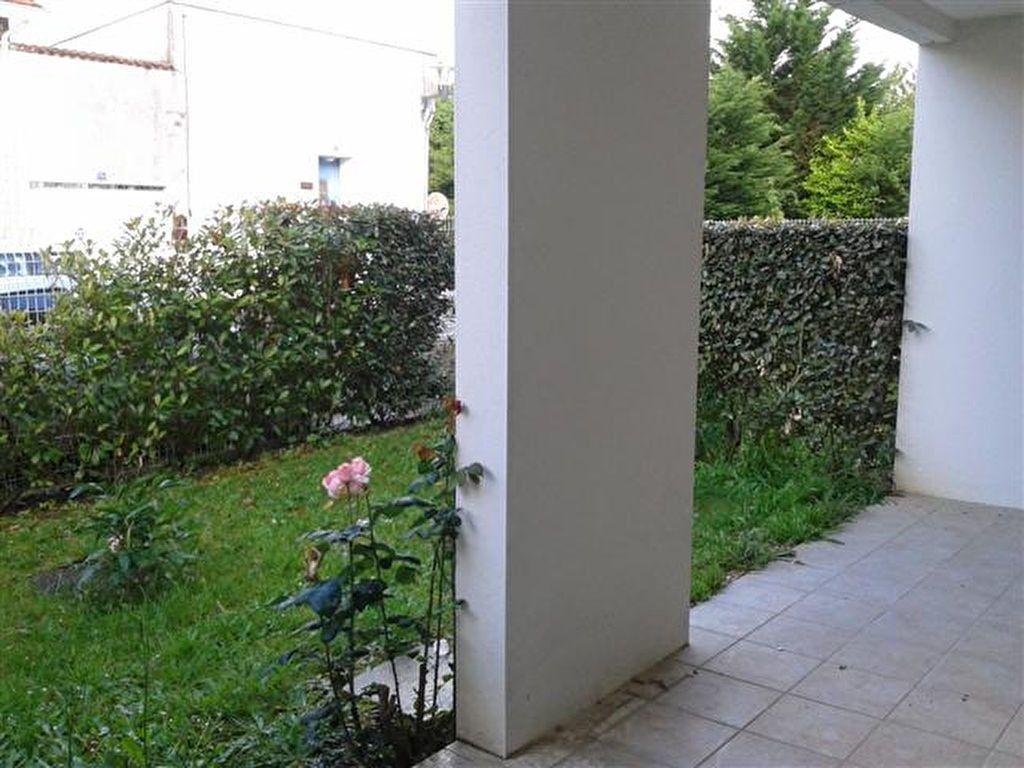 Appartement à louer 2 47m2 à Saint-Sever vignette-2