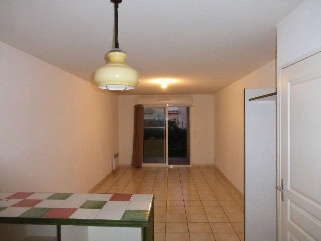 Appartement à louer 2 47m2 à Saint-Sever vignette-5
