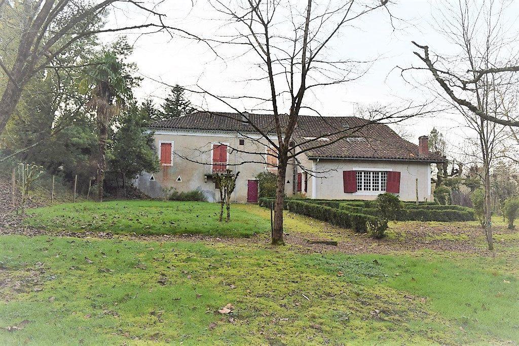 Maison à vendre 11 300m2 à Saint-Sever vignette-1