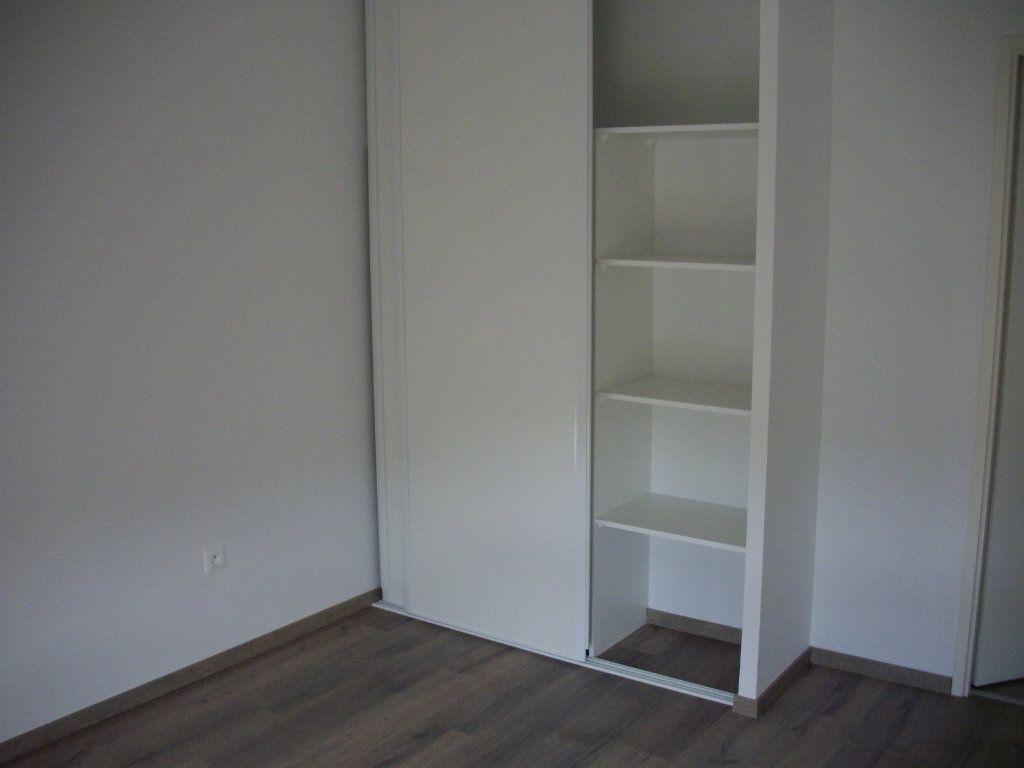 Appartement à vendre 3 63.08m2 à Mont-de-Marsan vignette-4