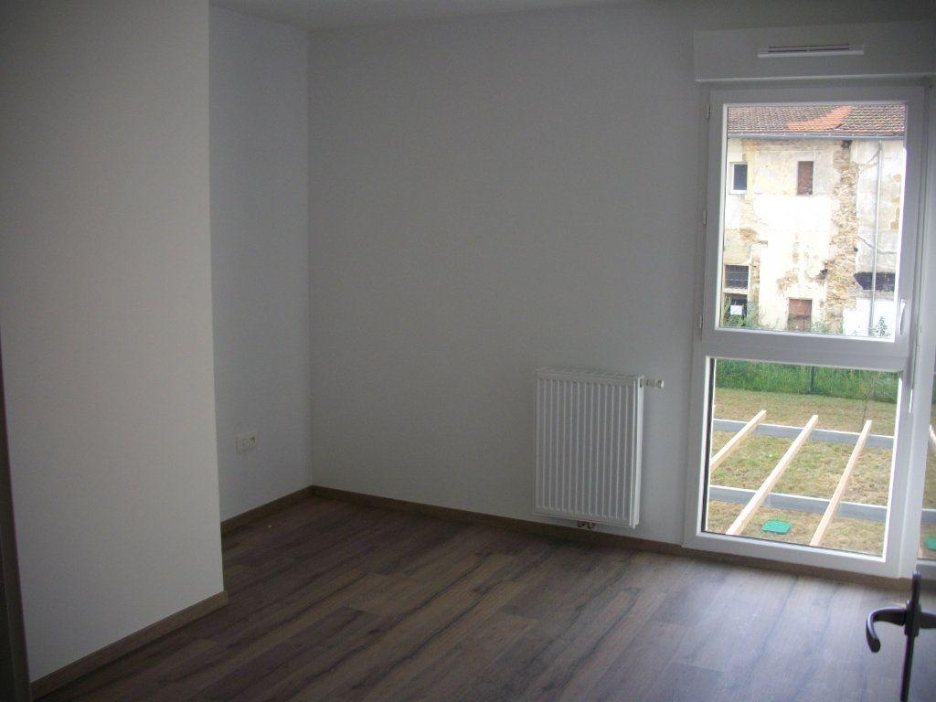 Appartement à vendre 3 63.08m2 à Mont-de-Marsan vignette-5