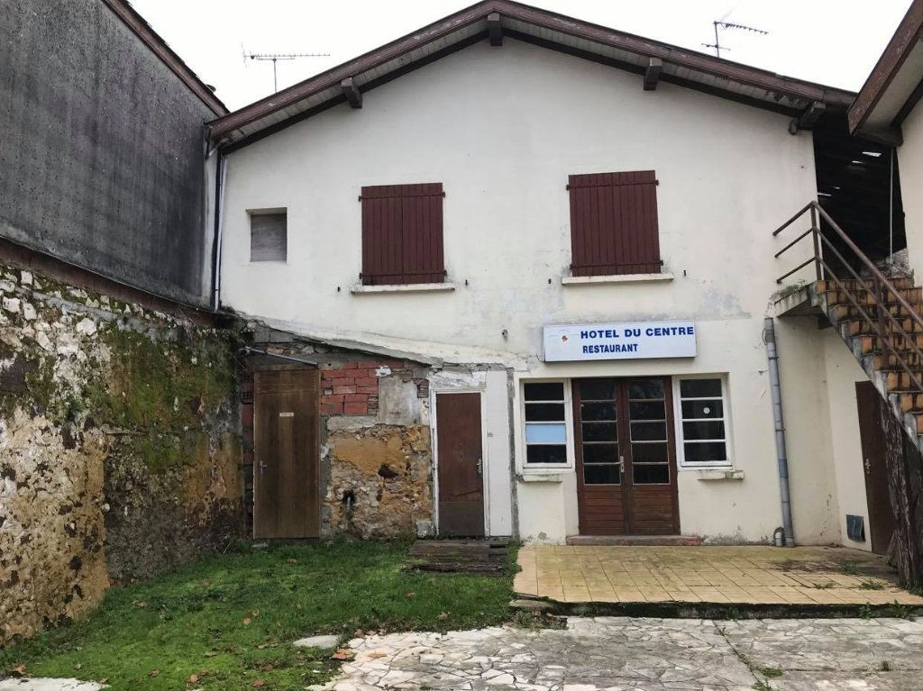 Immeuble à vendre 0 450m2 à Montaut vignette-1