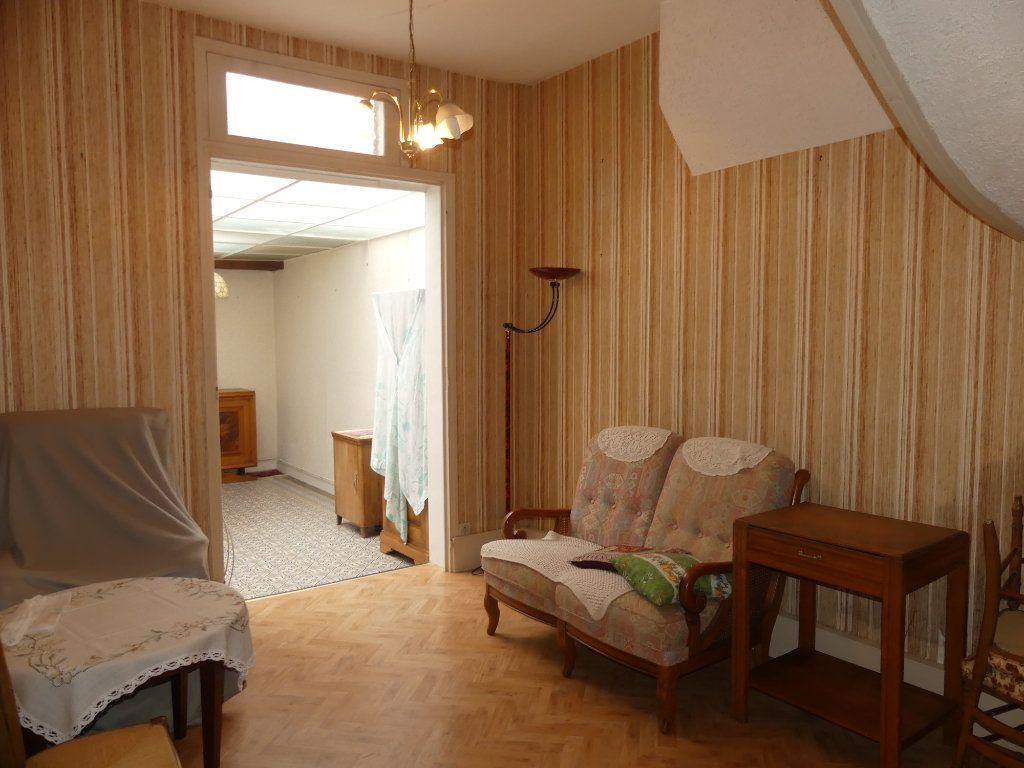Maison à vendre 4 113m2 à Saint-Just-en-Chaussée vignette-1
