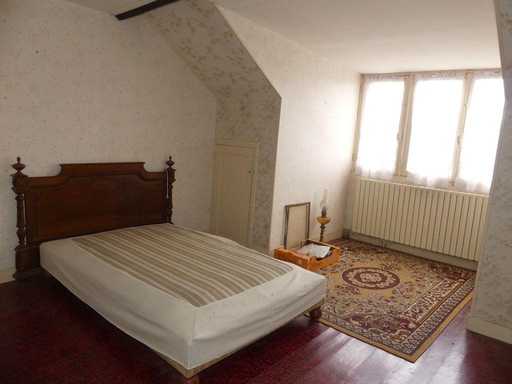 Maison à vendre 4 113m2 à Saint-Just-en-Chaussée vignette-2