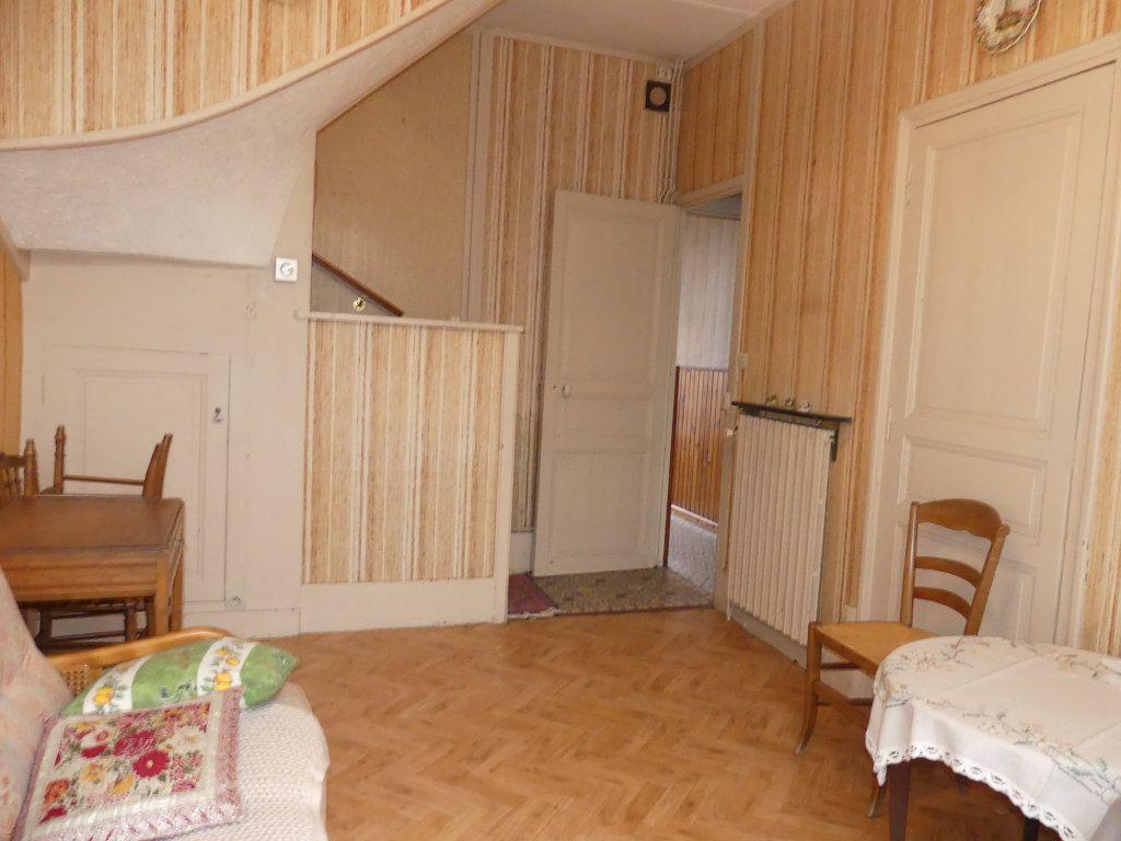 Maison à vendre 4 113m2 à Saint-Just-en-Chaussée vignette-6