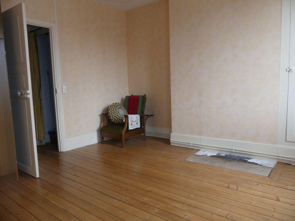Maison à vendre 4 113m2 à Saint-Just-en-Chaussée vignette-7
