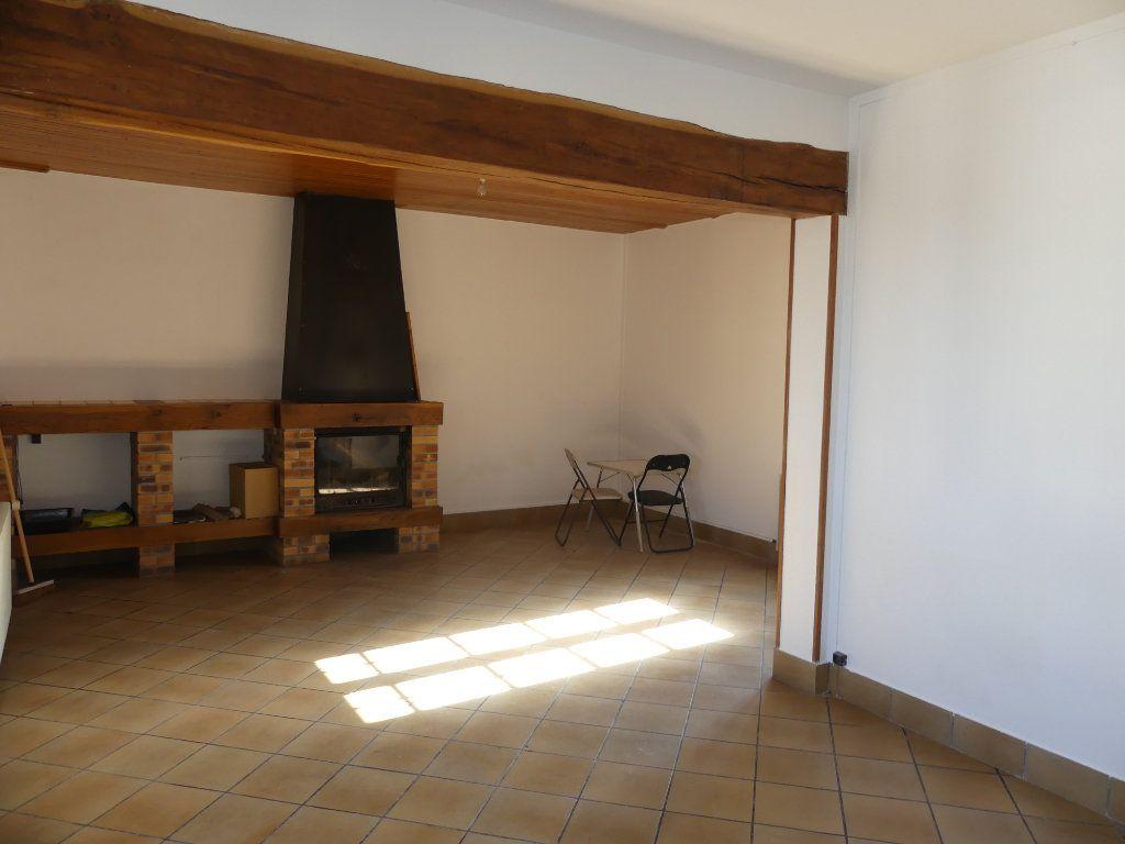 Maison à vendre 5 0m2 à Courcelles-Epayelles vignette-2