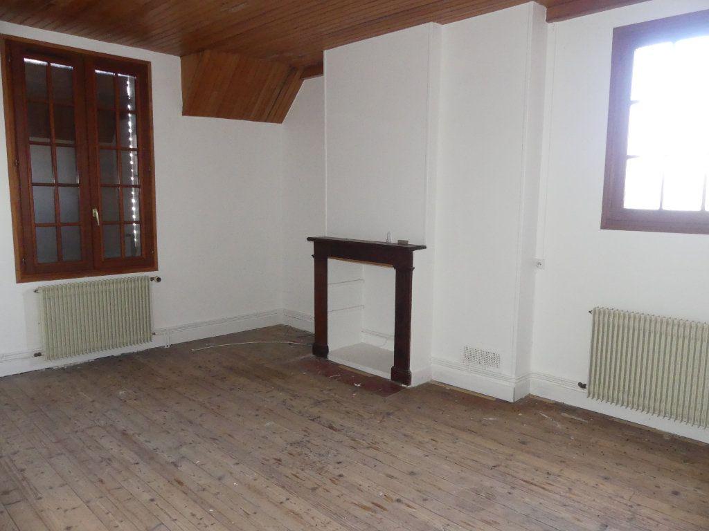 Maison à vendre 5 0m2 à Courcelles-Epayelles vignette-5