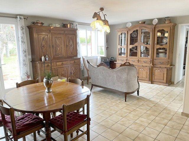 Maison à vendre 6 122m2 à Saint-Just-en-Chaussée vignette-3