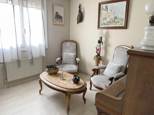 Maison à vendre 6 122m2 à Saint-Just-en-Chaussée vignette-4