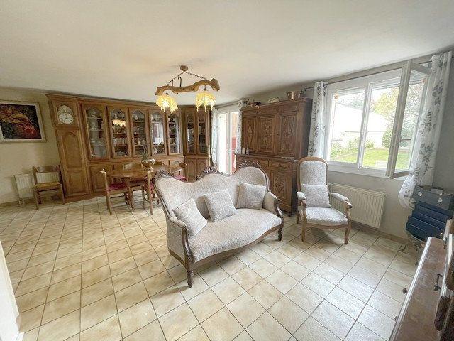 Maison à vendre 6 122m2 à Saint-Just-en-Chaussée vignette-5