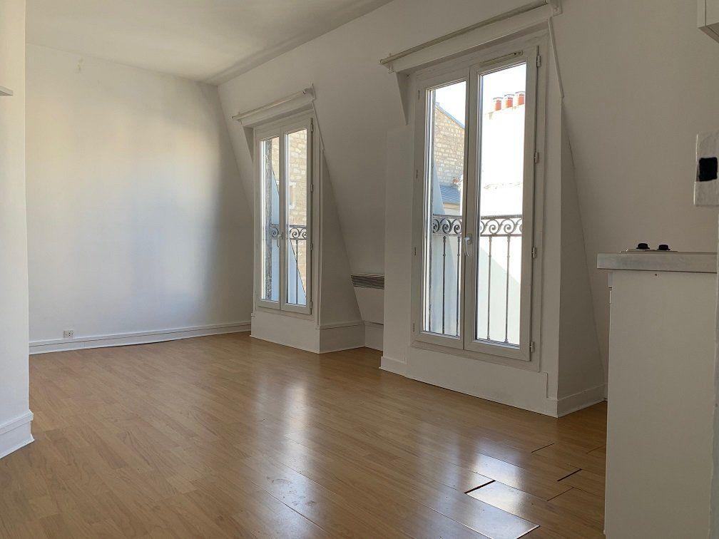 Appartement à louer 1 19.72m2 à Paris 15 vignette-1