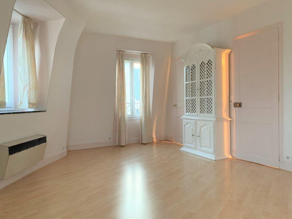Appartement à louer 2 40.05m2 à Paris 11 vignette-1