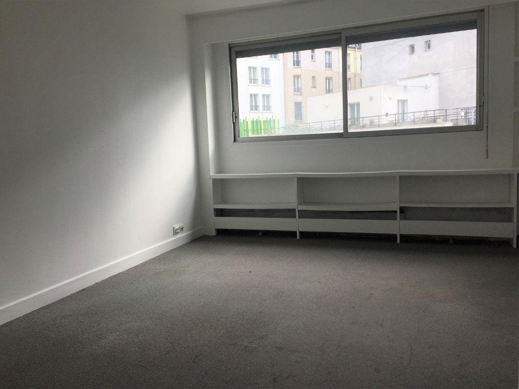 Appartement à louer 1 27.86m2 à Paris 10 vignette-4