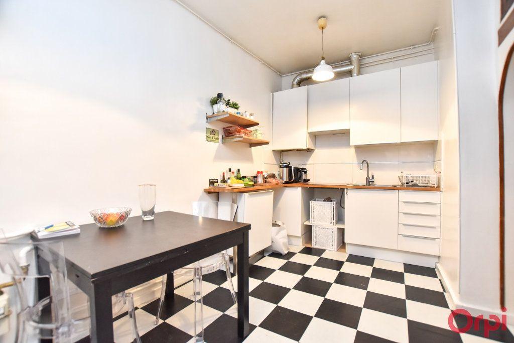 Appartement à vendre 2 49.68m2 à Paris 9 vignette-6